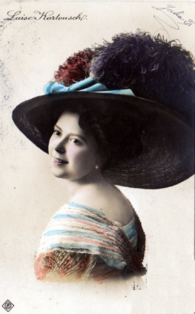 colourised postcard photograph of Luise Karlousch